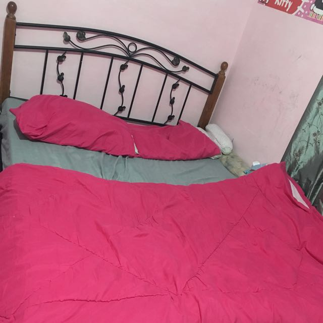 Mandaue Bed Frame 2nd Hand Queen Size Slightly Damage But