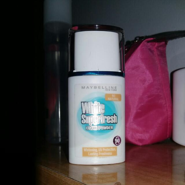 Maybelline Superfresh Liquid Powder - Natural
