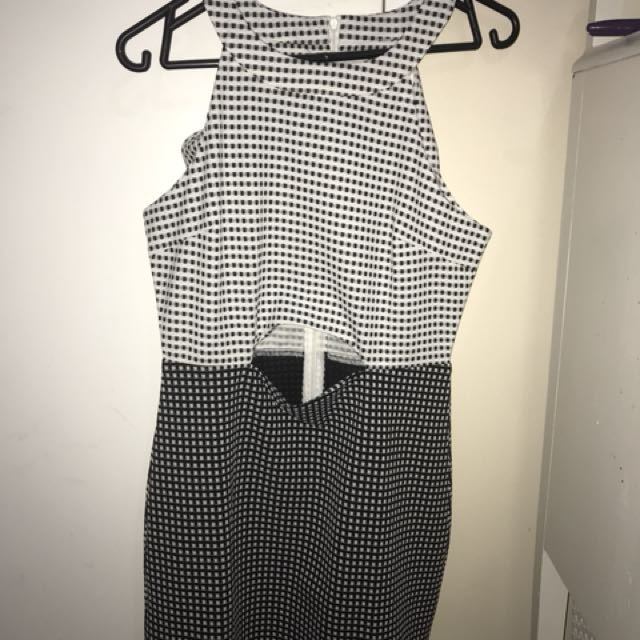 *NEW* Black and White dress