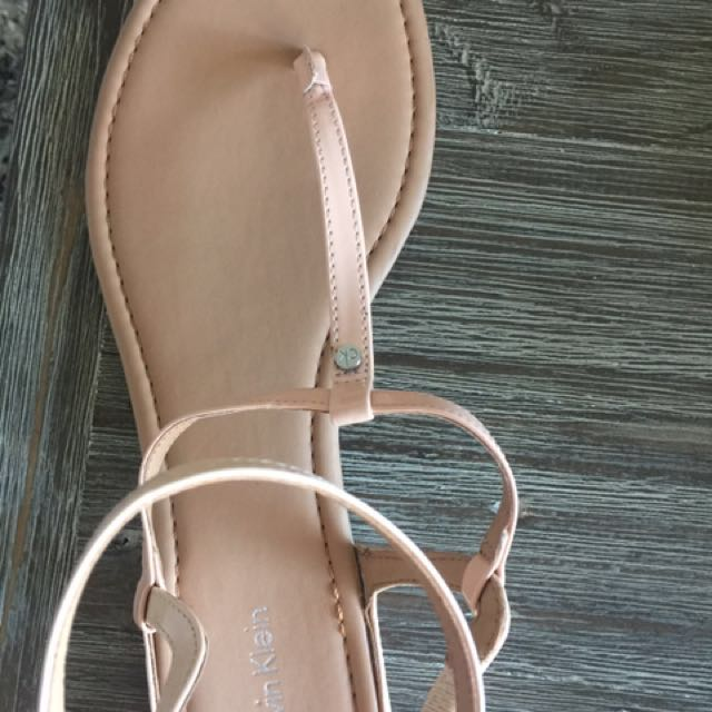 NEW!Calvin Klein Sandals