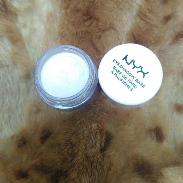 NYX Eyeshadow Base - White Pearl