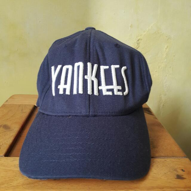 Original  Official  M.L.B Major League Baseball Cap Navy (Yankees  Bordered) af75ba0ed1