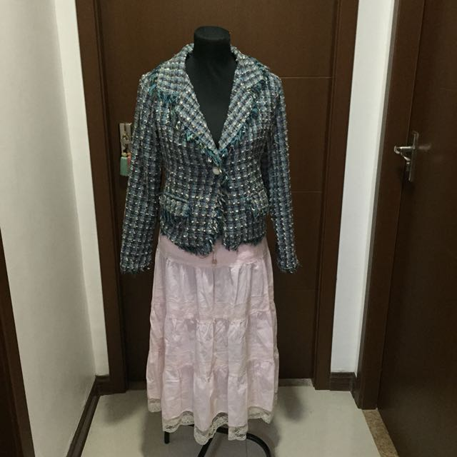 Pink Skirt with Tweed Coat ( mags)