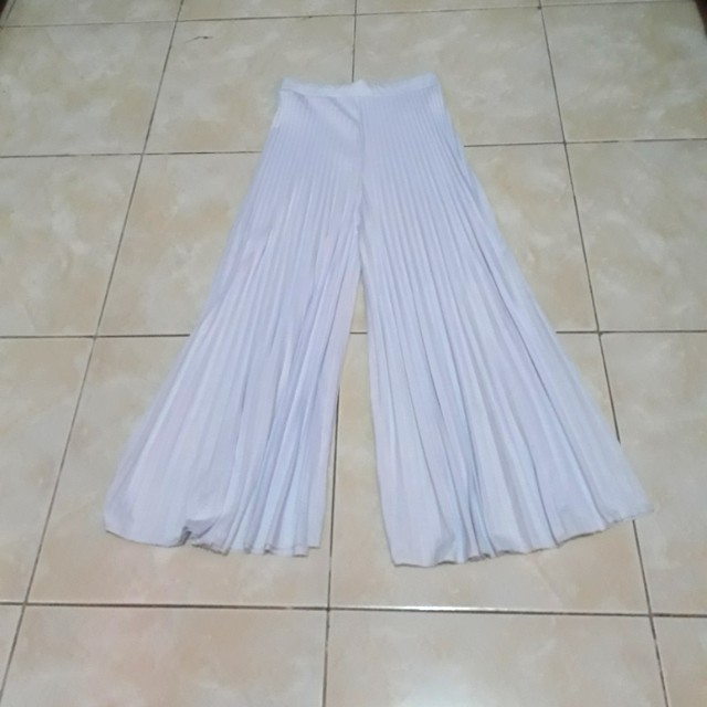 Prisket kulot putih