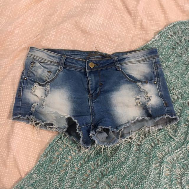 Size 10 shorts, dissh, universal store, general pants, princess polly