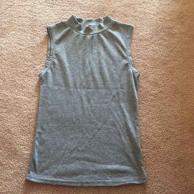 sleeveless high neck top size S