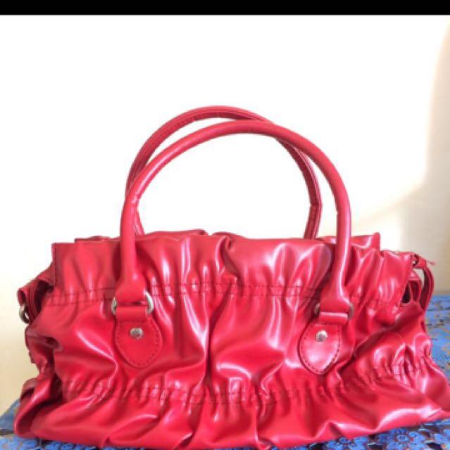 Sling bag by Shopie Paris