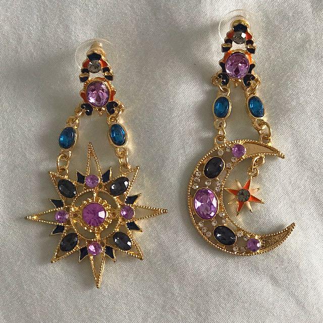 'Verge Girl' Star and Moon earrings ✨
