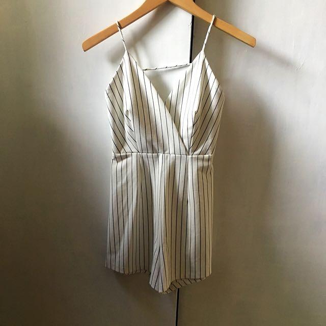 White / Black striped playsuit - SZ 8 / S