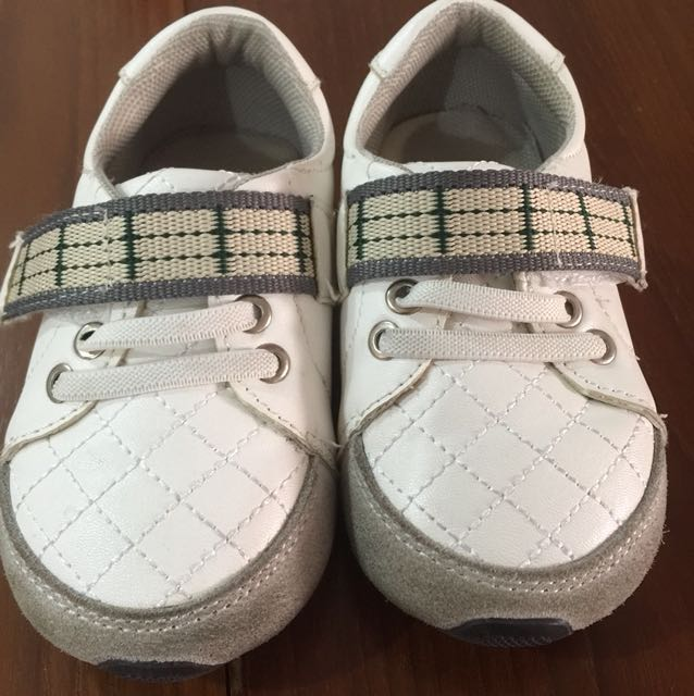 White Shoes from Avenue Kids - Size 23