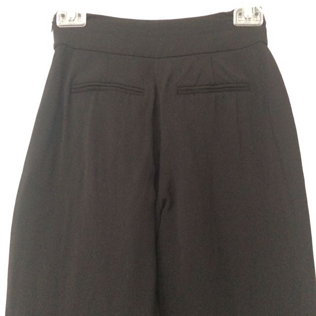 WITCHERY Size 4 High Waisted Black Crop Pant