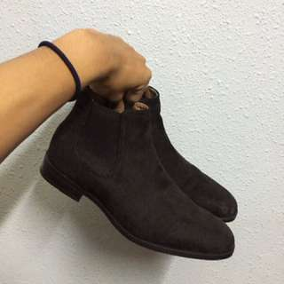 H&M Suade Chelsea Boots