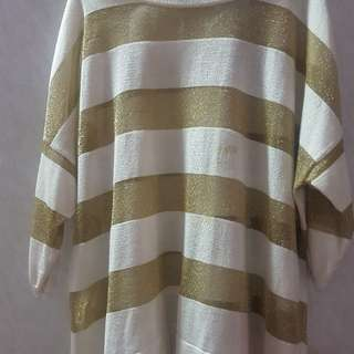 Dorothy Perkins Size Large but fits up to UK 18 white and Gold top