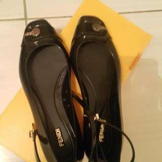 🚚 Fendi淑女防水膠鞋