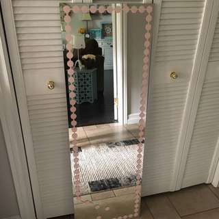 Mirror With pink bubble Detail
