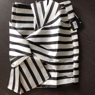 MDs striped bow skirt