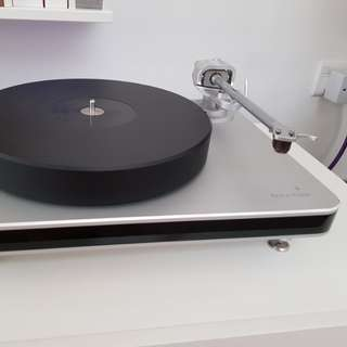Clearaudio Ovation turntable with Magnify tonearm