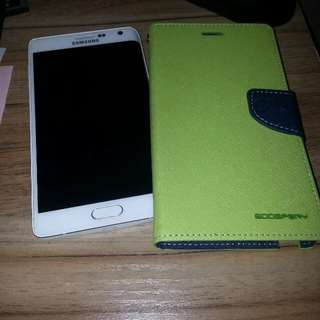 Note edge white 32gb.good condition..only slight at the rim..cant be seen with casing..comes with casing...no charger....no earpiece....new battery...