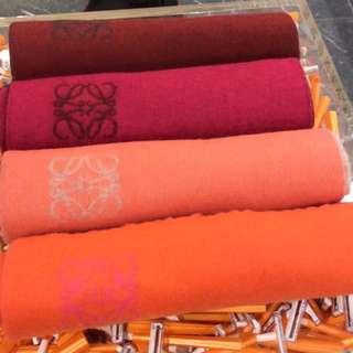 Pre order 👉🏼 Loewe 雙色羊絨scarf