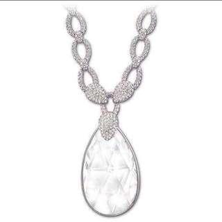 Swarovsky beautiful crystal necklace NEW