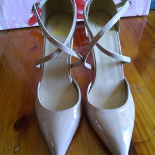 Used authentic loubtine heels 37 to 38