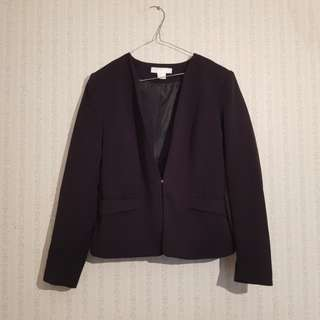 H&M size 10 cropped jacket in black