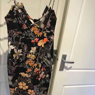 Tahlulah Midi Dress Size 10/medium