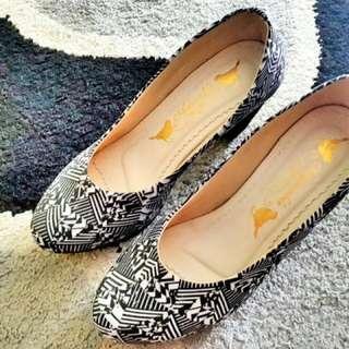 Adorable Heels Shoes