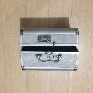 Make up kit box