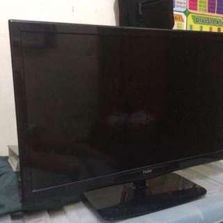 HAIER FLAT SCREEN TV