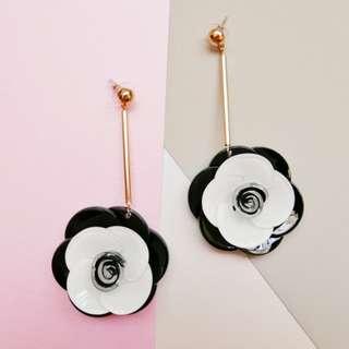Dangling earrings   Fleur