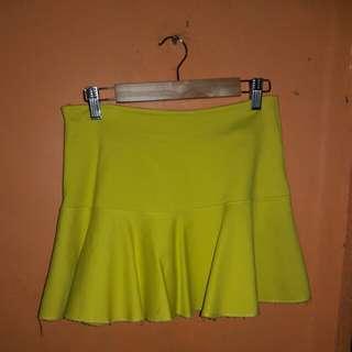 Preloved Yellow mini skirt