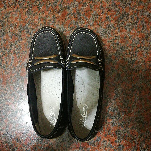 尺寸23 黑色低跟包鞋