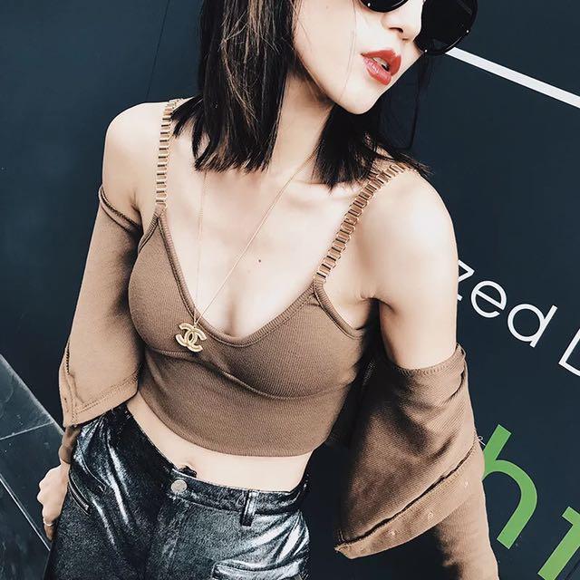 小心機焦糖色上衣低胸露肩露臍性感開衫吊帶背心女兩件套針織套裝