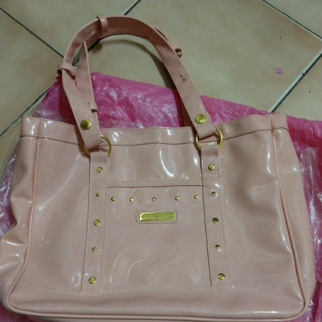 粉紅色包包