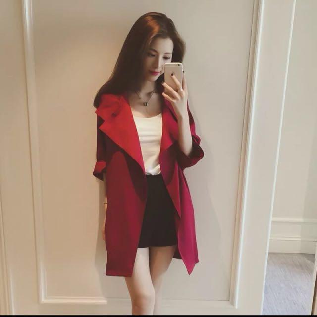 紅色風衣外套