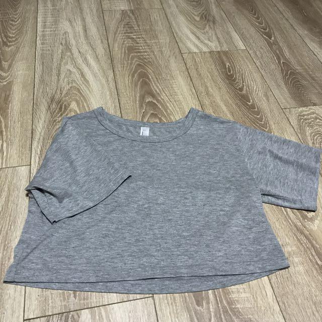 灰色素面短身上衣 #交換最划算