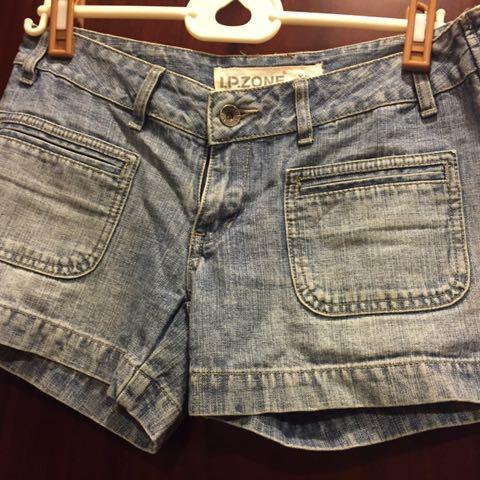 個性淺刷色 牛仔短褲