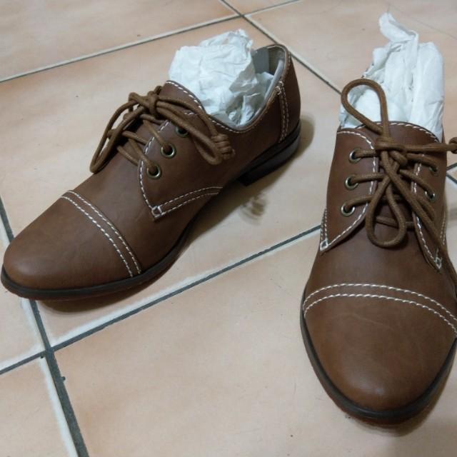 全新 咖啡色 牛津鞋