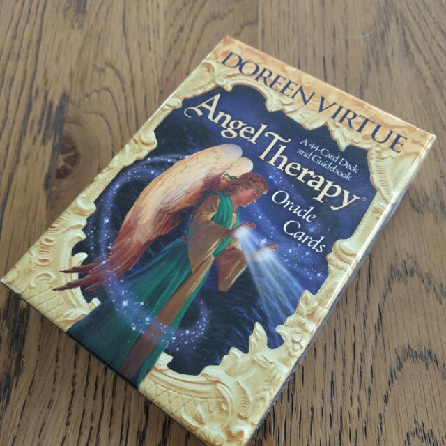 Angel oracle cards like new