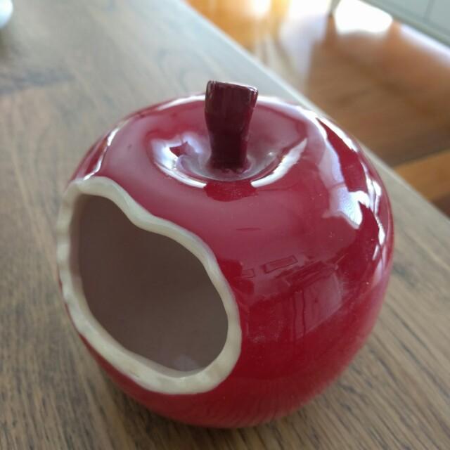 Apple pen holder from type