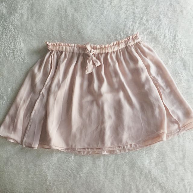 Aritzia Talula Light Pink Satin Skirt