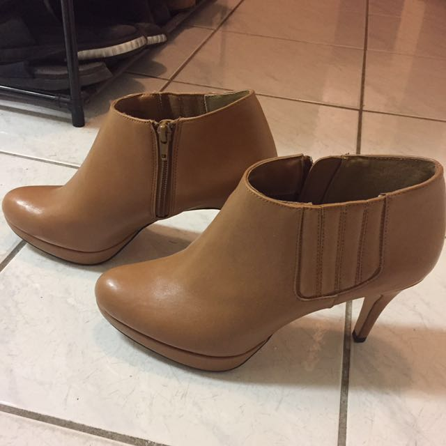 Brand new Style & Co booties. Size 8
