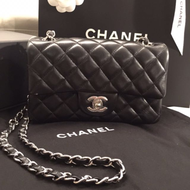 b1b92841f5c786 Chanel Classic Flap mini 20cm 羊皮銀扣, Luxury, Bags & Wallets on Carousell