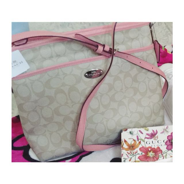 Coach Pink sling bag 💼