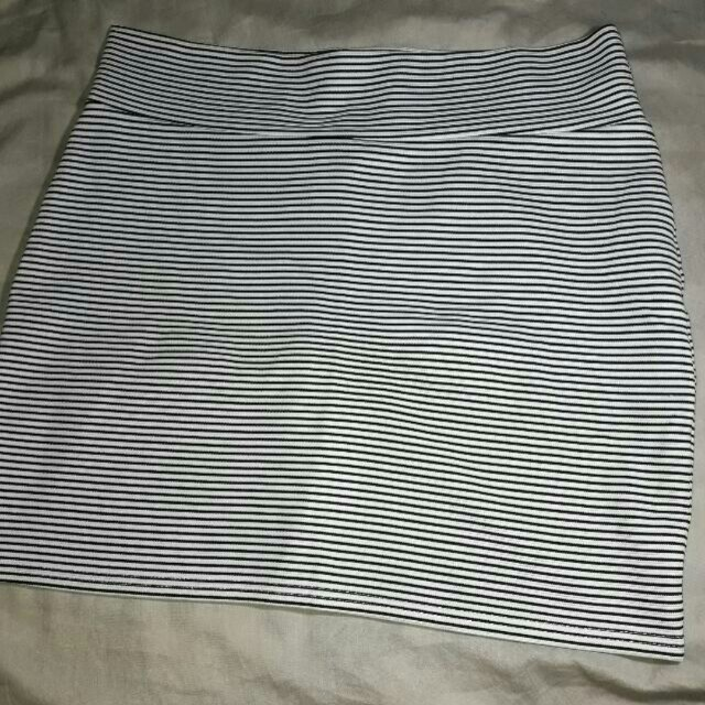 Cotton On pencil cut skirt