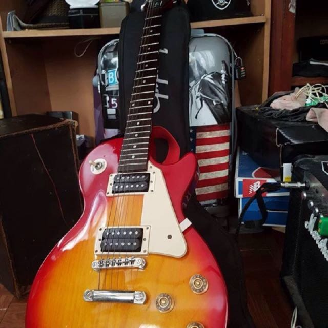 Epiphone lp100 2013 with FREE amp