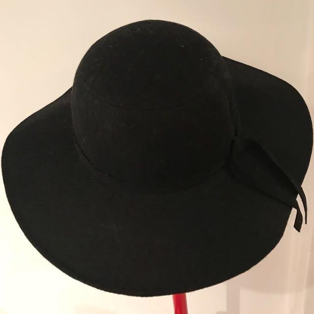 Floppy Wool Hat(s)