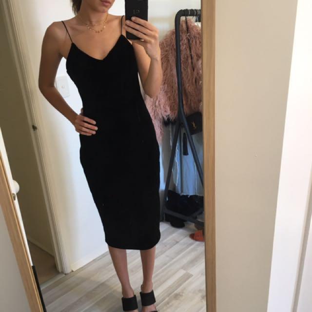 Forecast velvet black dress - Size 6