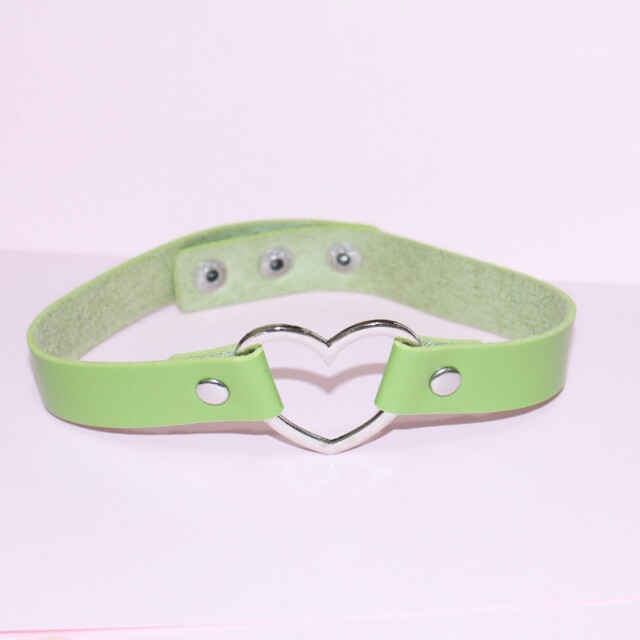Green love choker